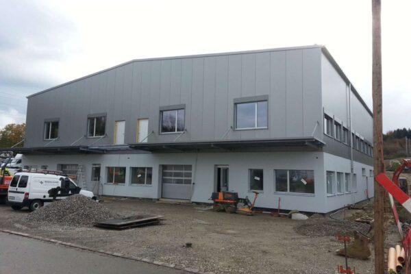 Gewerbebau QVA und Bachmann Lehrmittel AG, Gloten